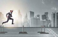 ۱۰ مانعی که از موفقیت کارآفرینان و استارتاپ ها جلوگیری میکند