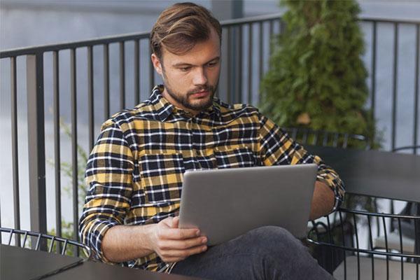 كسب درآمد از اينترنت در منزل